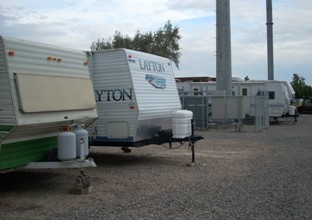 Superbe Front Office Enclosed Unit RV Storage ...